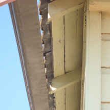 Gutter separated from rafters